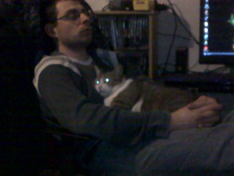 kevin et son chat moustik en pleine reflection 05022010