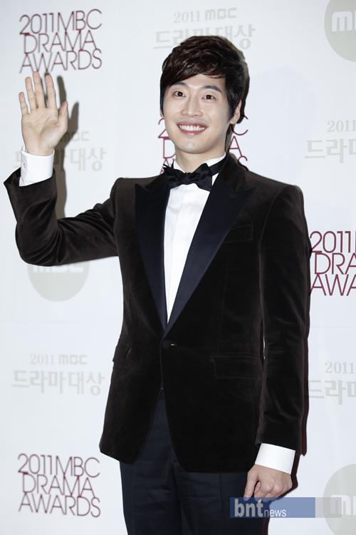 Kim Jae Won 20111211