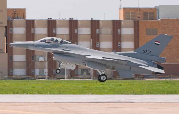 قائد القوات الجوية يقصد الاف 16 بلوك 52 بالمصدر - صفحة 3 F16_bl10