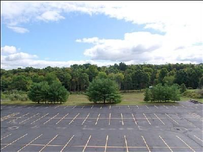 Parque de estacionamento Re316