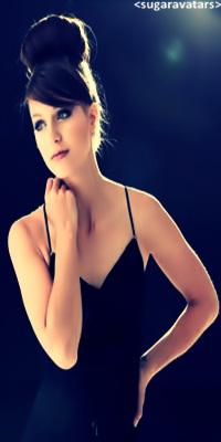 Melissa Benoist Cats10
