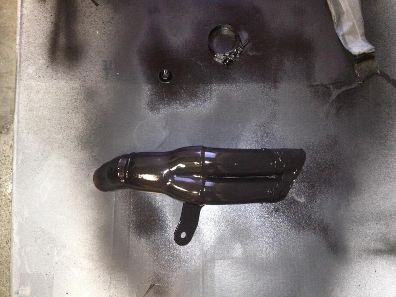 peinture sur échappement ixil et fourche et platine 110