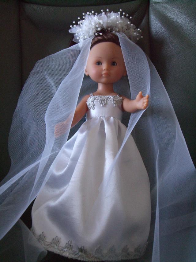 Les poupées mariées - Page 4 Cimg4910