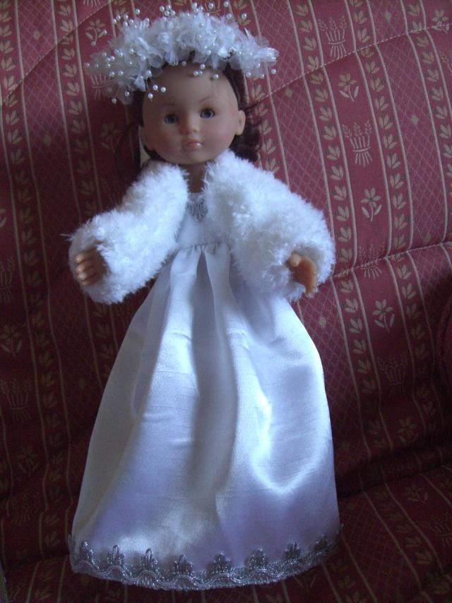 Les poupées mariées - Page 4 Cimg4912