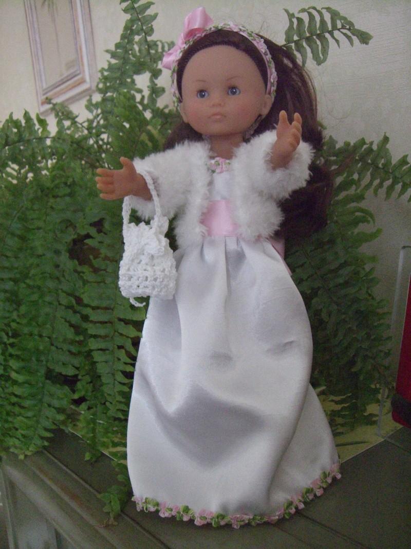 Les poupées mariées - Page 4 Cimg4914