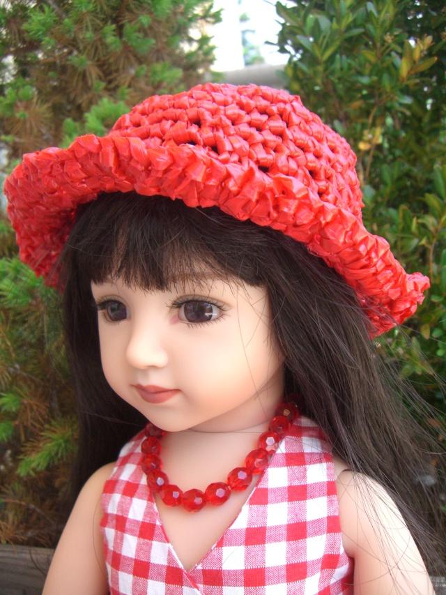 De nouveaux habits pour un mélange de poupées. Cimg5220
