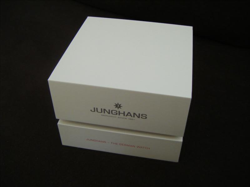Présentation de ma nouvelle Junghans automatic, bracelet mailles milanese Dscf0110