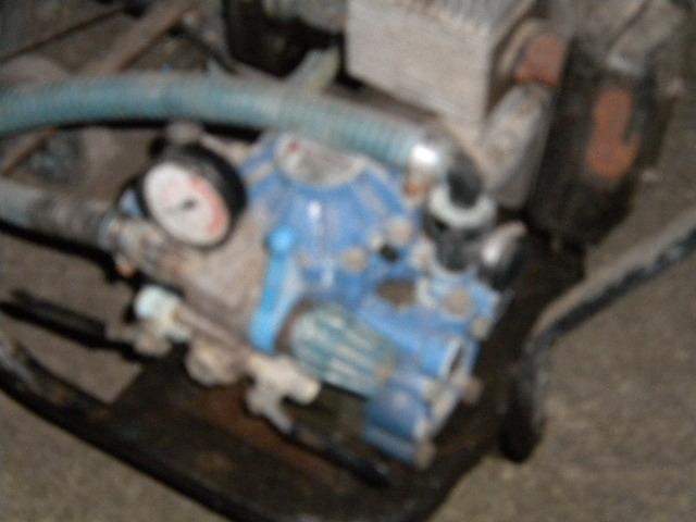 aiuto motore a scoppio con pompa idraulica Dscn8210