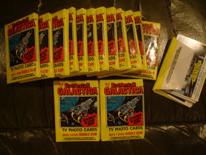 Does anyone else collect vintage Battlestar Galactica? Dsc06016