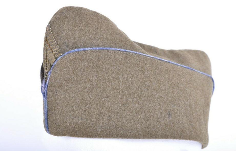 Bonnet de police passepoil bleu ciel  Bdp_pa10
