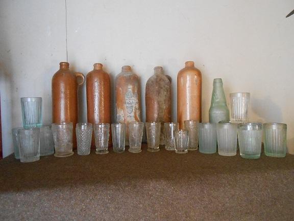 Flacons et bouteilles. Dscn0610