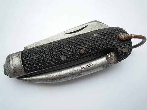"""Les """"jack knives"""", couteaux pliants du Tommy - Page 2 Dscn8810"""