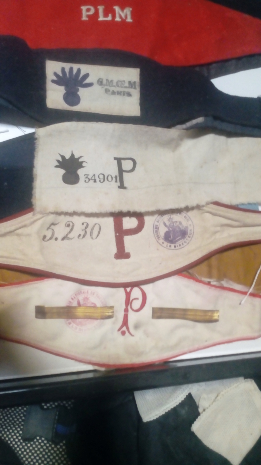 Brassard avec la lettre P Img_2020