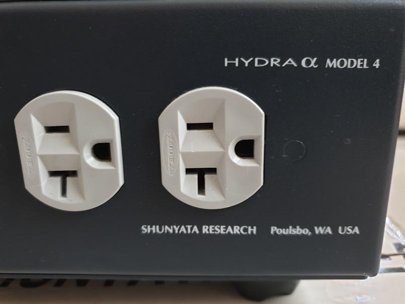 Shunyata Hydra Alpha Model 4 Power Conditioner (price reduced) Back_r10