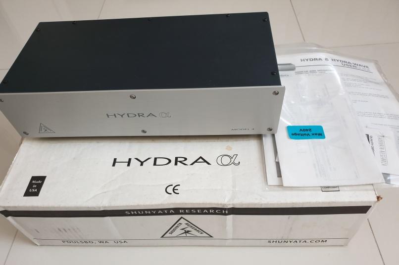 Shunyata Hydra Alpha Model 4 Power Conditioner (price reduced) Box_an11