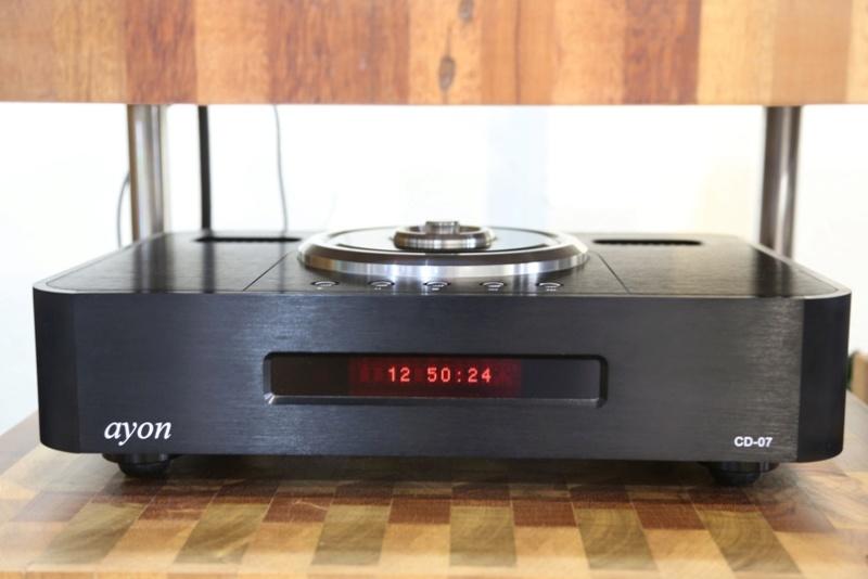 Ayon CD-07 tube CD player Front-11