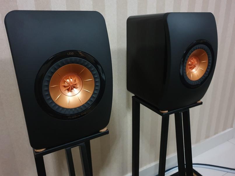 KEF LS50 Black (SOLD) Frontl11