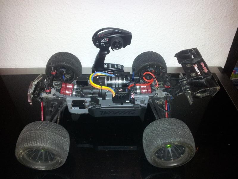 mon revo 3.3 transformer en e-revo brushless 2012-131