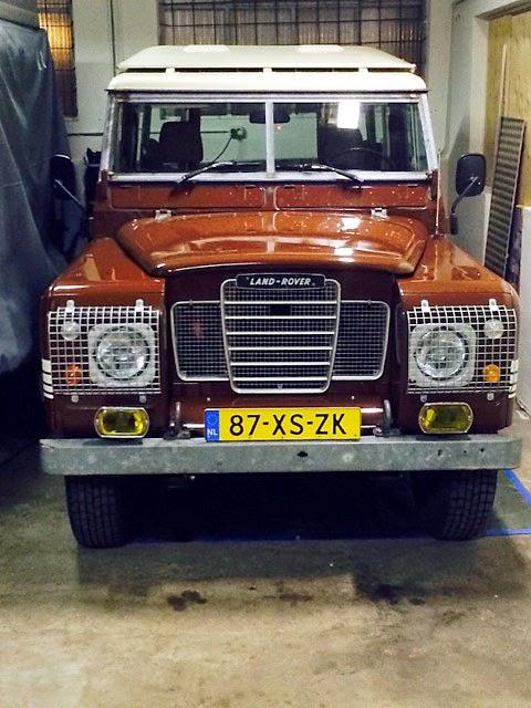 Land-Rover Bling10
