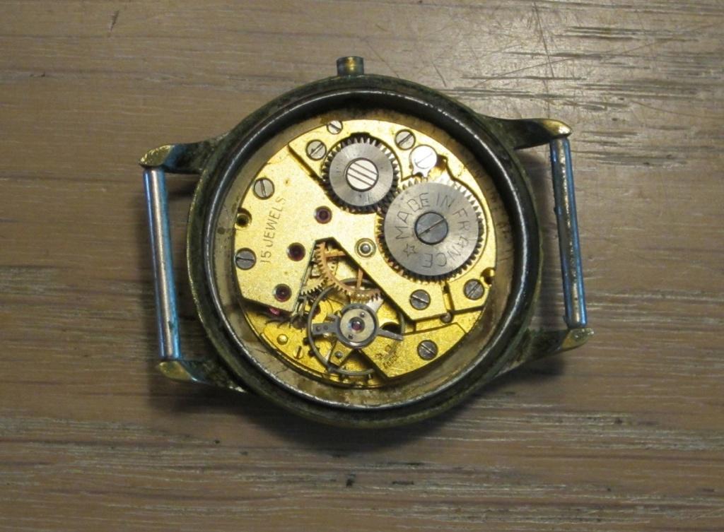 Un post qui référence les montres de brocante... tome IV - Page 39 Ex210