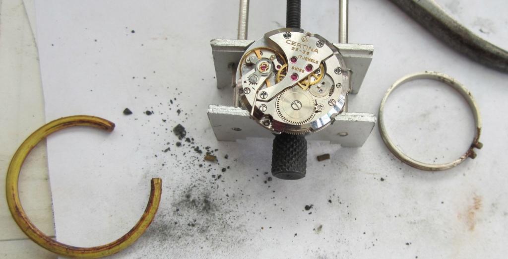Un post qui référence les montres de brocante... tome IV - Page 33 Roestt10