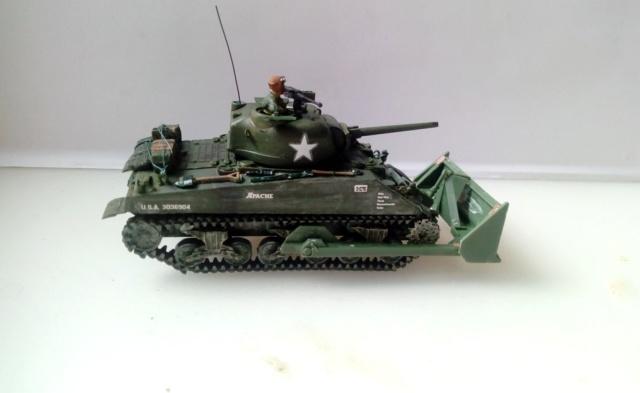 M4A2 Sherman with M1 dozer blade -- UM --  1/72  05-09-11