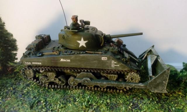 M4A2 Sherman with M1 dozer blade -- UM --  1/72  06-09-12