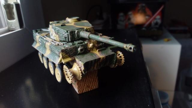 PzKpFw VI  Tigre  -- Revell --1/72 10-08-10