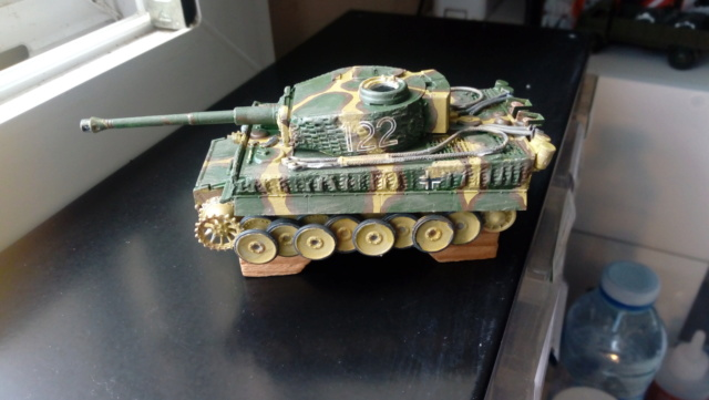 PzKpFw VI  Tigre  -- Revell --1/72 10-08-11