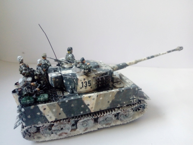 Why not  :  SdkfZ 182 Tigre 1 auf M -  Trumpeter 1/72 27-09-10