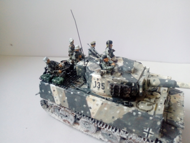 Why not  :  SdkfZ 182 Tigre 1 auf M -  Trumpeter 1/72 27-09-13
