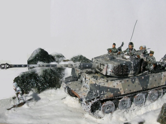 Why not  :  SdkfZ 182 Tigre 1 auf M -  Trumpeter 1/72 Fini_010