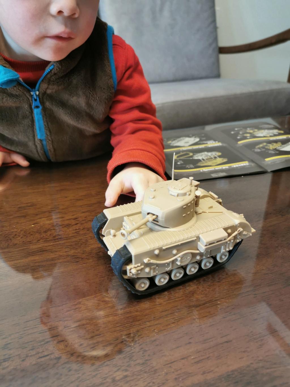 British Infantry Tank Churchill, Meng, World War Toons Img_2047