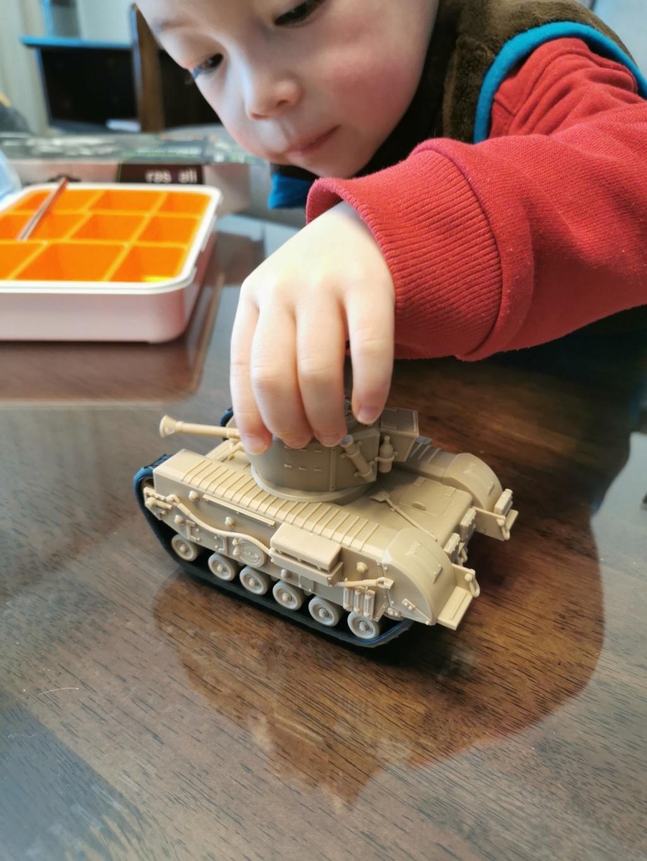 British Infantry Tank Churchill, Meng, World War Toons Img_2048