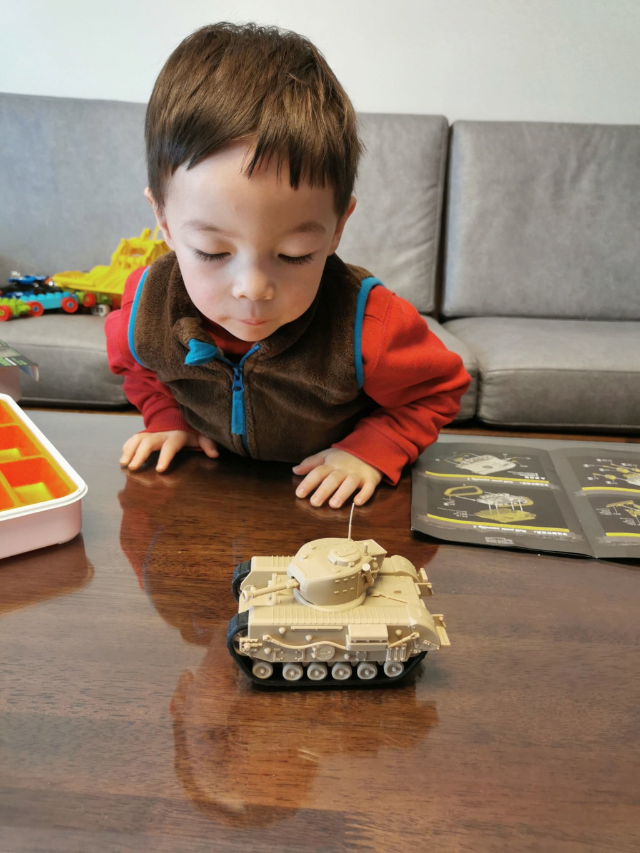 British Infantry Tank Churchill, Meng, World War Toons Img_2050