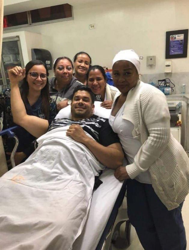 El cantante salsero puertorriqueño Jerry Rivera sabrá hoy si tendrá que ser operado luego de una estrepitosa caída en un concierto en Ecuador Jerry_10