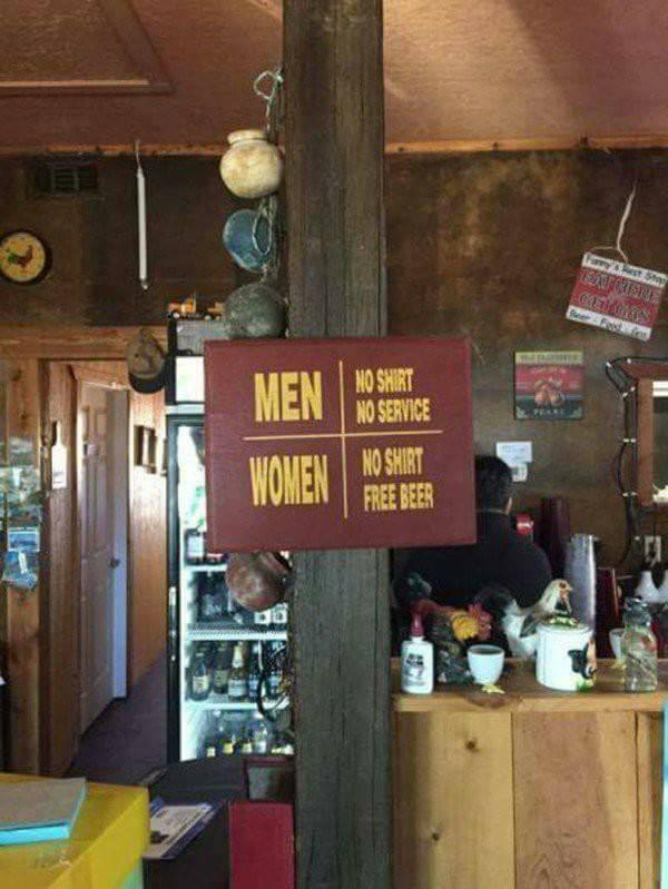 nouveau réglement au saloon Black Rivers? 49896910