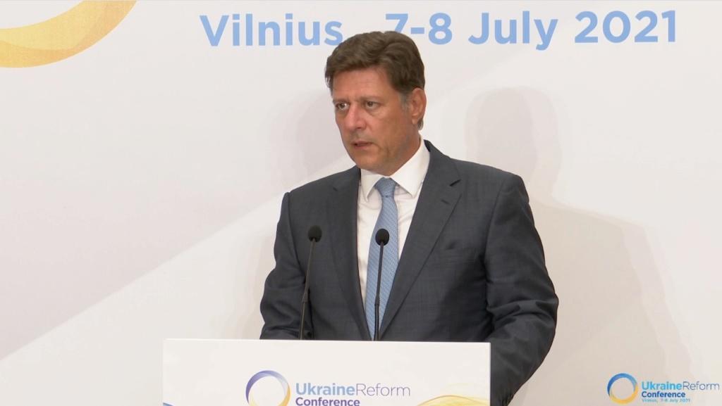 ΔΤ - Σημεία παρέμβασης του Αναπληρωτή Υπουργού Εξωτερικών Μιλτιάδη Βαρβιτσιώτη στην 4η Διεθνή Διάσκεψη για την Ουκρανία - Συνομιλία με Τούρκο Υπουργό Εξωτερικών Μεβλούτ Τσαβούσογλου (Βίλνιους, 7 Ιουλίου 2021) - Φωτογραφίες και βίντεο Photo410