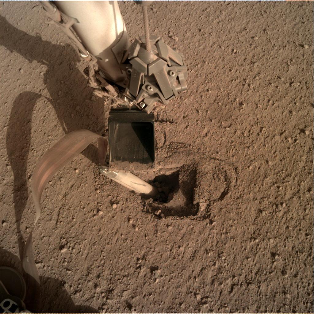 InSight - Mission d'exploration sur Mars - Page 23 11230