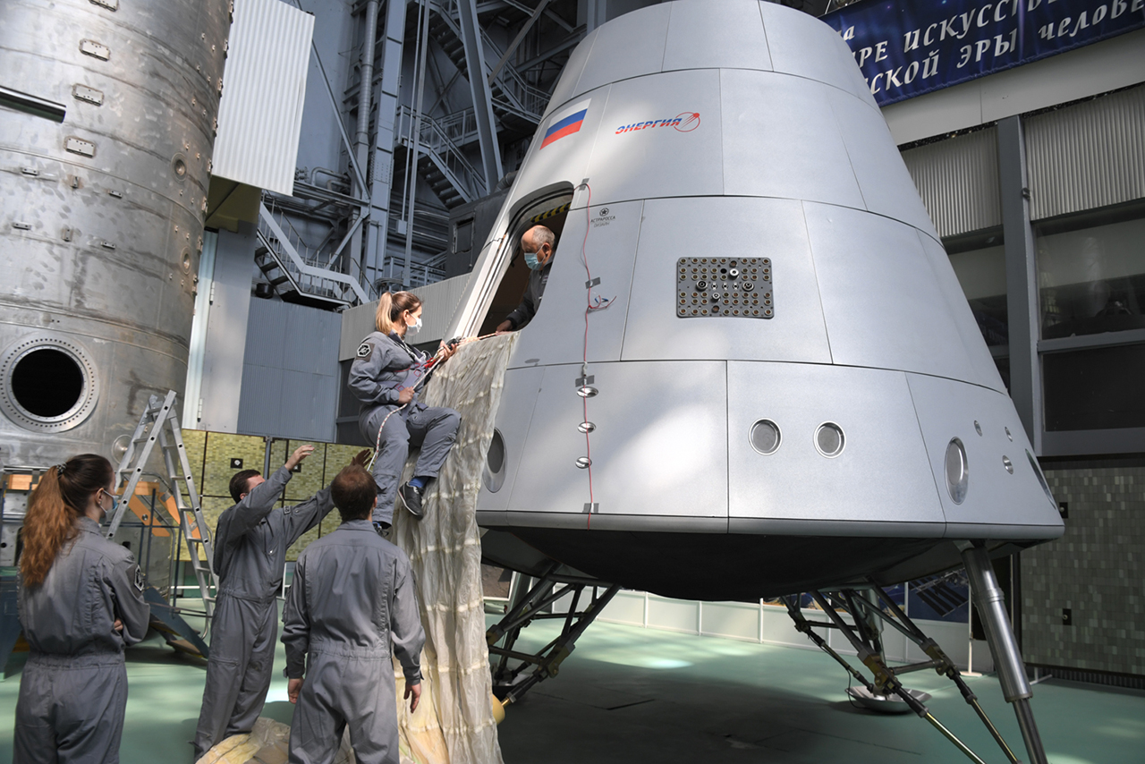 Oriol - Le nouveau vaisseau russe - Page 28 11440