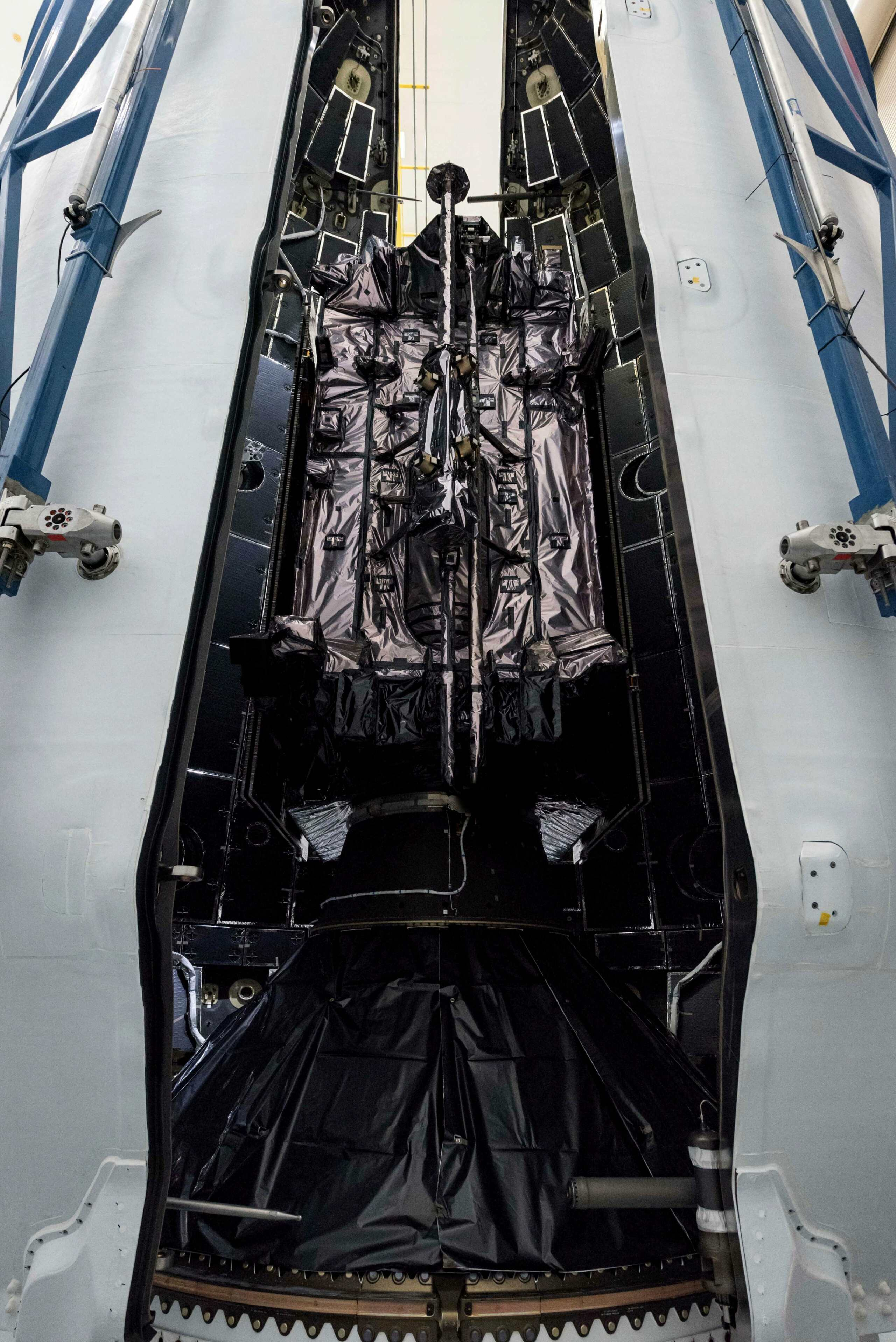Falcon 9 (GPS III SV04) - CCAFS - 2020 11487