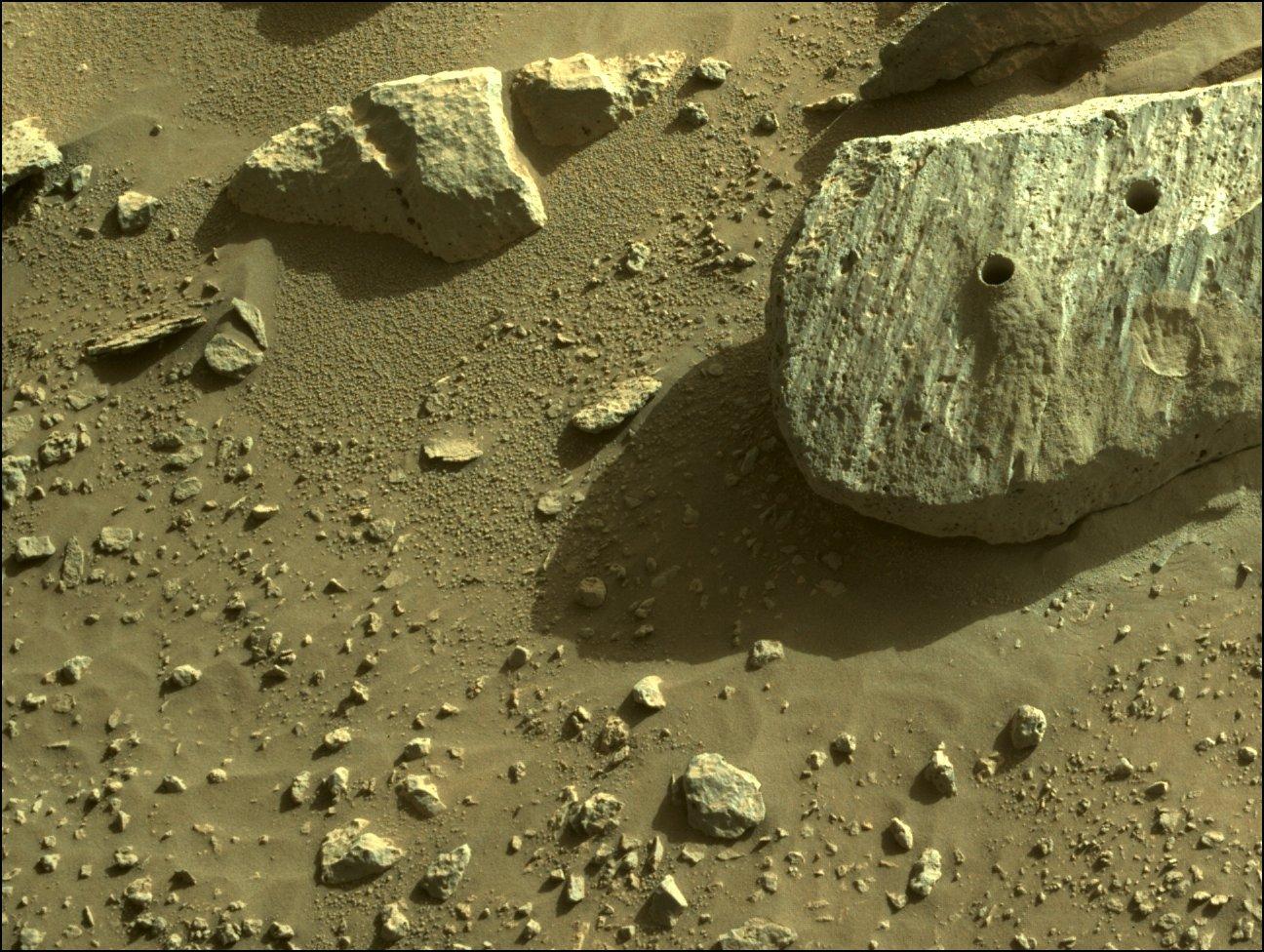 Mars 2020 (Perseverance - Ingenuity) : exploration du cratère Jezero - Page 21 12140
