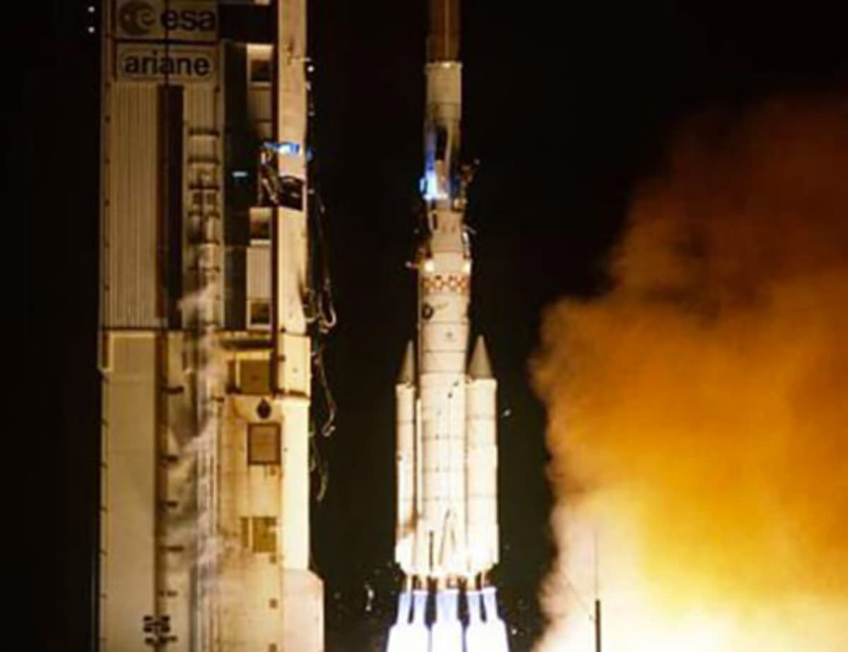 Photos des tirs d'Ariane avant la création du FCS - Page 2 1425
