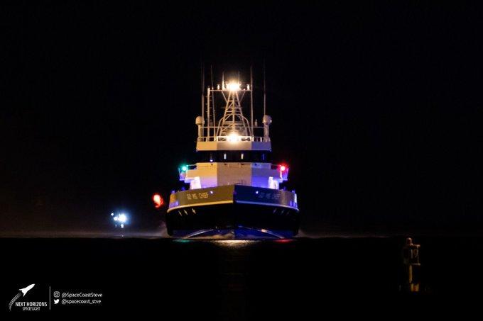 [SpaceX] Barges et flotte maritime de SpaceX - Page 2 1818