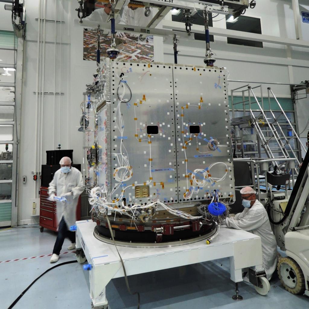SWOT - Satellite d'observation du niveau des eaux - 2021 1_jfif15