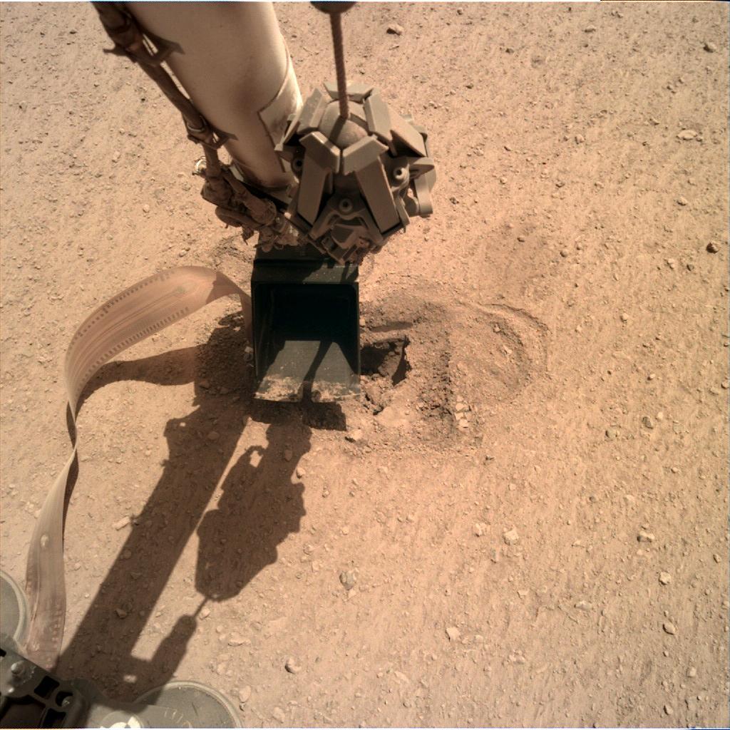 InSight - Mission d'exploration sur Mars - Page 23 1_jfif16