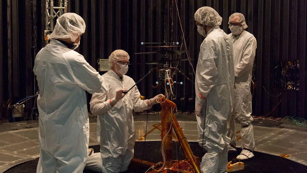 "Préparation du rover Mars 2020 ""Perseverance"" - Page 8 2141"