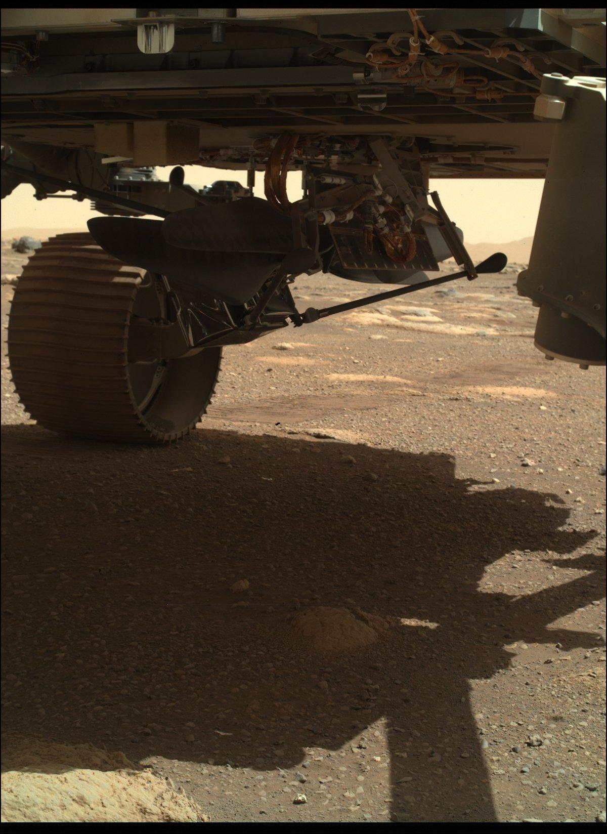 Mars 2020 (Perseverance) : exploration du cratère Jezero - Page 7 2463