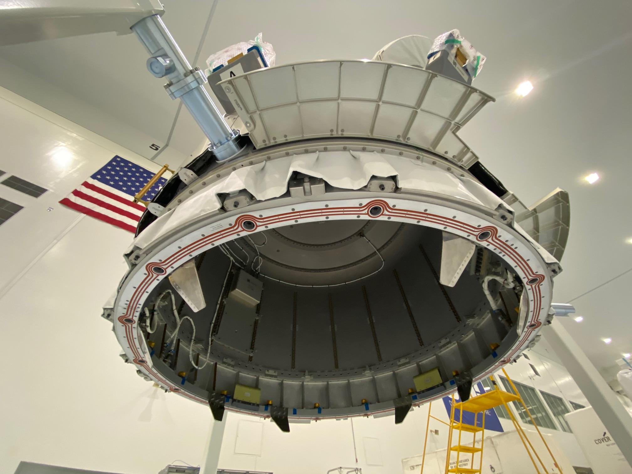 Nanoracks : installation du sas commercial Bishop sur l'ISS 3197