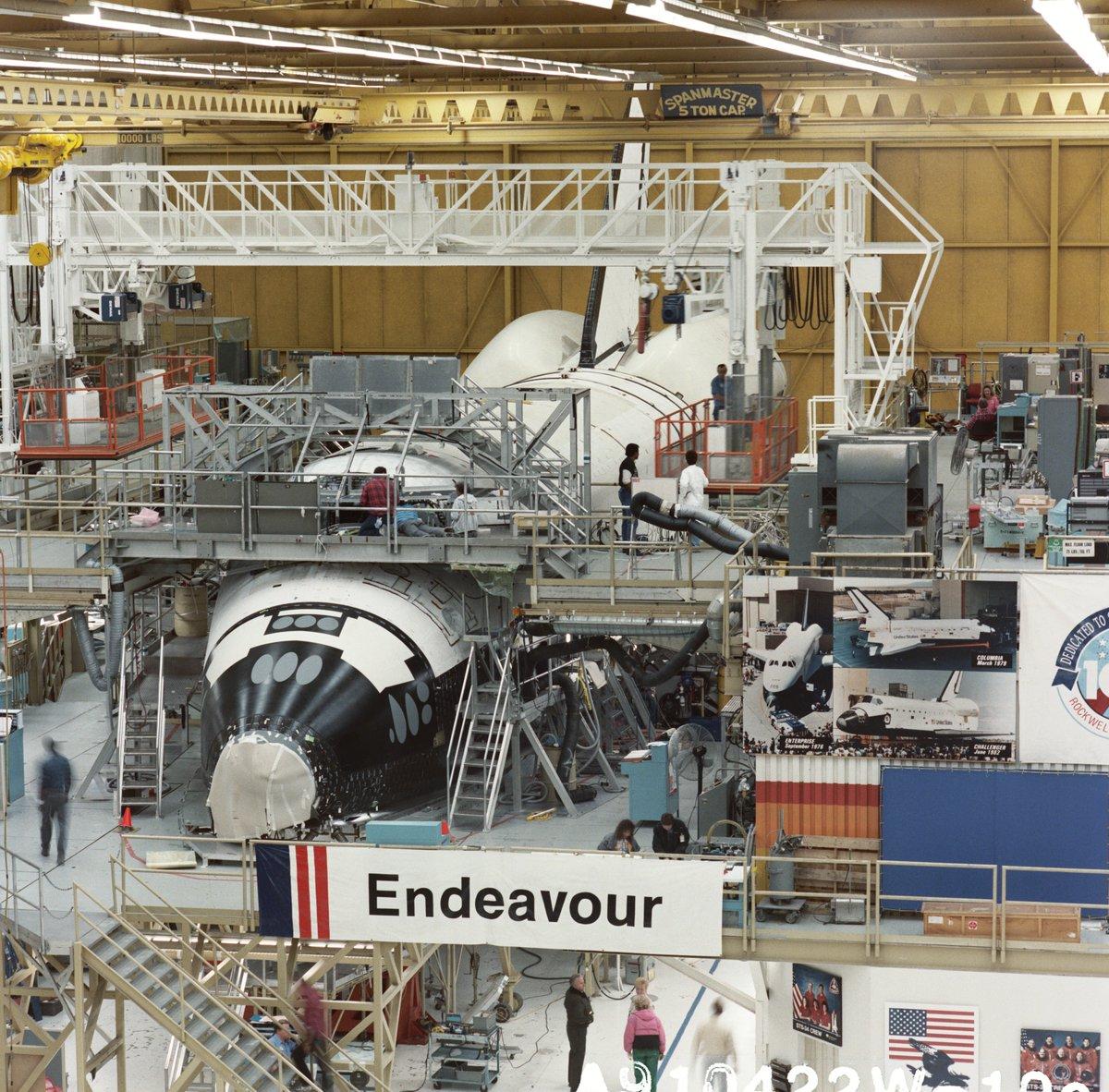 Naissance de la navette Endeavour 432